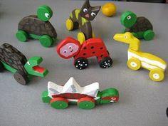 Koulun kässä ja teku: Puueläimet pyörillä Crafts For Kids, Arts And Crafts, Art For Kids, Projects To Try, Woodworking, Teaching, Toys, Wooden Toys For Kids, Tulips