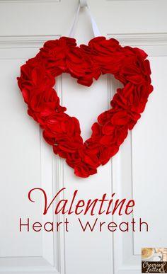 Valentine Heart Wreath; cheeriosandlattes.com, #valentines day #wreath
