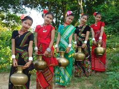 Indian traditional dresses of Assam Indian Costumes, Northeast India, States Of India, Traditional Dresses, Ethnic, People, Beauty, Culture, India