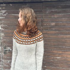 Ravelry: Derravaragh - Lopapeysa pattern by Richella Duggan Icelandic Sweaters, Wool Sweaters, Fair Isle Knitting, Knitting Yarn, Fair Isle Pattern, Sweater Design, Knitting Projects, Knitting Patterns, Knit Crochet
