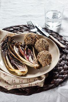 Crocchette di miglio, carote e olive nere
