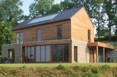 www.architecture-bois.be : Maison bioclimatique sur terrain en pente