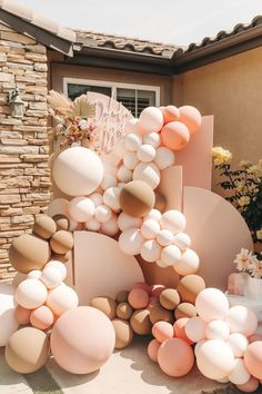Jun 10, 2021 - This Pin was discovered by Brittany Eve. Discover (and save!) your own Pins on Pinterest Rainbow Birthday, Birthday Balloons, Baby Birthday, 1st Birthday Parties, Themed Parties, Balloon Garland, Balloon Decorations, Balloon Backdrop, Balloon Columns