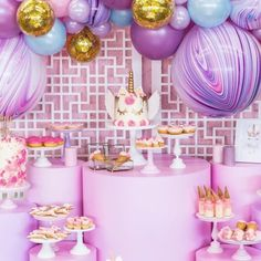 First Birthday - 60 adorable party decoration ideas for a nice celebration Birthday 60, 3 Year Old Birthday Party, Kids Birthday Themes, Kids Party Themes, Unicorn Birthday Parties, Unicorn Party, Birthday Party Decorations, Party Ideas, Birthday Cakes
