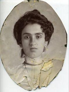 Matilde Calderón La madre de Kahlo, Matilde Calderón, mexicana de ascendencia española (Colección Museo Frida Kahlo)