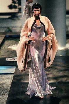 茵: Givenchy 1998 / Alexander Mcqueen