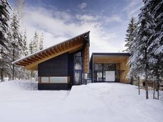 Bold Linear Shapes Form this Canadian Ski-In Lodge - http://freshome.com/canadian-ski-in-ski-out-lodge/