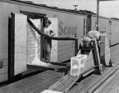 Model Railroad Minutiae: Railroad icing equipment 1952
