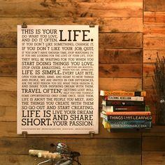 Weise Worte. Das Original Manifesto Poster von Holstee vermittelt Lebensweisheiten für das tägliche Leben. Der Kunstdruck ist an jeder Wand und in jedem Raum gut aufgehoben und weist auf die wichtigen Dinge im Alltag hin.. :) Foto: Holstee