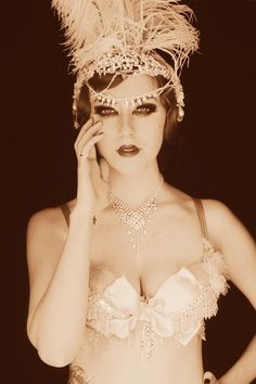 Vintage vaudeville and burlesque! Go classic as an old school aerialist! - 9 Circus Cosplays