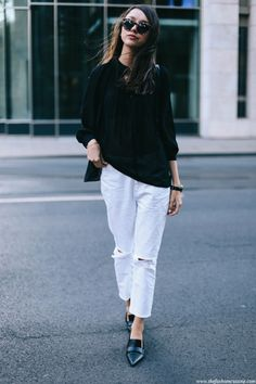 So easy. Put on a loose black loose, white jeans and loafers. Via Beatrice Gutu Blouse: FashionPills, Jeans: Missguided, Shoes: Mango. Summer Outfit