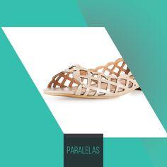 Esse peep toe dá o que falar! Afinal, os recortes já são lindos, ainda mais com os detalhes de pedrinhas douradas...     #love #instagood #happy #beautifuls #girl #smile #fashion #summer #moda #estilo #instamood #instalove #best #sapatos #sapato