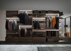 PRESOTTO | Varius walk-in-closet in tay melamine with Twist shelves in matt beige argilla lacquer. _ Cabina armadio Varius in melaminico tay con ripiani Twist in laccato opaco beige argilla.