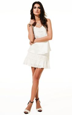Lookbook Raizz Primavera-Verão 14 - Blusa estampara off-white com  aplicação de guipir no decote. Saia de lese off-white com aplicação  de guipir e babados na barra