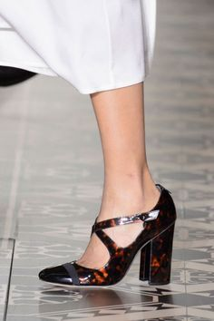Fall 2016 Shoe Trends Straight From the Runway - Best Fall Shoes Tory Burch
