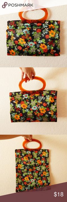 """70s Hippie Psychedelic Navy Folding Handbag Clutch Vintage 70s Hippie Psychedelic Floral Print Navy Folding Handbag Clutch  Snaps Up When Folded Plastic Handles Please See Some Holes 12.75"""" x 8.75"""" x 1"""" Vintage Bags Clutches & Wristlets"""