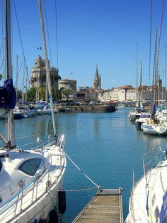 The beautiful harbour-town of #LaRochelle. // Le beau port de la ville de La Rochelle. http://www.frenchmoments.eu/?p=1096
