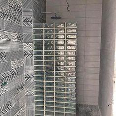 #домикпехотиных приобретает свои очертания) #ремонт #плитка #стеклоблоки #душ #дизайнинтерьера