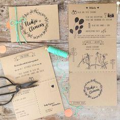 Top 10 Pocket Wedding Invitation Kits for Spring 2015 Vintage Wedding Invitation, Wedding Invitation Inspiration, Pocket Wedding Invitations, Party Invitations, Wedding Day Schedule, Wedding Planning, Wedding Cards, Diy Wedding, Boho Beach Wedding