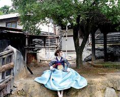 Korean traditional clothes.[hanbok] #한복 #전통한복 #당의한복 #당의 #예쁜한복 #한복스냅 #한복여행 #고급한복 #궁중당의 #snap #lady #sweet #girl #용보 #신부한복