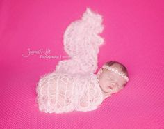 PHOTOGRAPHERS:  Sleeping babies gets easier with these super-soft, non-irritating swaddle wraps, available in 20+ colors:  Picture Props Blanket by BabyBirdz (shown in #pink for Valentines Day baby girls) Trendy Baby Boy Clothes, Baby Boy Outfits, Baby Sleep, Baby Baby, Baby Girls, Baby Girl Pictures, Baby Photos, Winter Newborn, Baby Clothes Storage