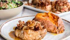 Pork Chops in Sour Cream Gravy - Bunny's Warm Oven Easy Baked Pork Chops, Glazed Pork Chops, Beef Chops, Best Pork Chop Recipe, Pork Chop Recipes, Wing Recipes, Sausage Recipes, Baked Cabbage Recipes, Cream Gravy