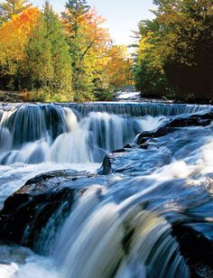 Michigan: Upper Peninsula waterfalls. The Upper Peninsula is home to almost 200 major named falls, plus countless smaller, anonymous ones.