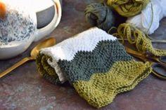 Zig zag klud Zig Zig, Crochet Baby, Knit Crochet, New Moms, Pot Holders, Needlework, Crochet Patterns, Crochet Ideas, Homemade