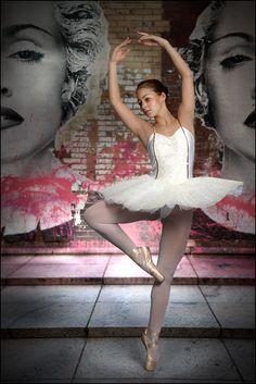 Ballett III von Ernst Boehm