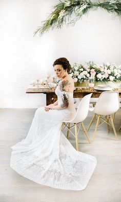 Key suggestions On selecting the ideal wedding ceremony dress for your body shape Spring Wedding Decorations, Spring Wedding Colors, Spring Wedding Inspiration, Wedding Styles, Wedding Ideas, Perfect Wedding Dress, Bridal Beauty, Wedding Color Schemes, Indie