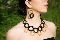 Fashion crochet necklace - Fiber necklace - modern crochet necklace cotton - colors: black and gold - ethnic necklace Rope Jewelry, Fabric Jewelry, Jewelry Crafts, Beaded Jewelry, Jewelery, Handmade Jewelry, Crochet Bracelet, Crochet Earrings, Mode Crochet