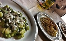 pasta in florence: gnocchi in a pea sauce and pici (thick spaghetti!) where to eat near the Uffizi Gallery, Florence (read the post!)