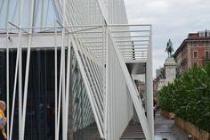 Dreidimensionales Gitterraster aus weissen Metall, Expo Gate, gebaut von Scandurrastudio Architettura(2014), Via Luca Beltrami,20121 Mailand,Italien #Metall #architektur #architecture #Metall