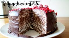 PFANNKUCHENTORTE MIT SCHOKOLADE / La Schuanet #pfannkuchentorte #pfannkuchen #pancake #schokoladenkuchen #schokoladentorte #torte #chocolatecake #pancakecake #foodporn #foodgasm #himbeertorte #pfannkuchen #weihnachtskuchen #weihnachtstorte #weihnachtsbäckerei #christmasbakery