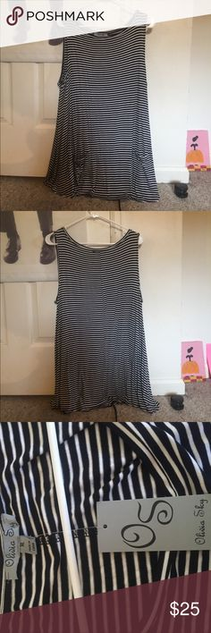 Olivia Sky flowy striped tank top with pockets Never worn! New with tags! Nordstrom Tops Tank Tops