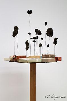 Autoconstrucción (2009), Abraham Cruzvillegas