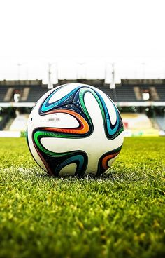 Soccer Tips. One of the greatest sports on earth is soccer, also referred to as football in several countries. Football Fever, Football Field, Football Soccer, Soccer Ball, Play Soccer, Messi Y Ronaldinho, Nba, Sports Website, Soccer Tips