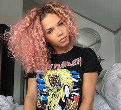 cachos coloridos, cachos, cacheado, rosa, pink, rosê, rose gold, rosa gold, rosinha, cabelo rosa, cachos rosa, cachos pink, cabelo cacheado colorido, cabelo cacheado rosa