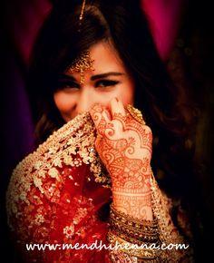 She's so pretty(: Event Photography, Engagement Photography, Sikh Wedding, Destination Wedding, Mehndi Party, Henna Mehndi, Bridal Mehndi, Stylish Girl, Bridal Dresses