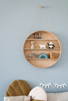 The most beautiful wall shelves for the children's room - Quick Saves - Shelves in Bedroom Little Girl Rooms, Baby Boy Rooms, Room Baby, Baby Room Ideas Early Years, Modern Boys Rooms, Kids Rooms, Baby Room Neutral, Wall Decor Design, Baby Room Design