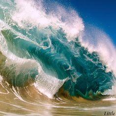 shore break #shorebreak #hawaii #clarklittle