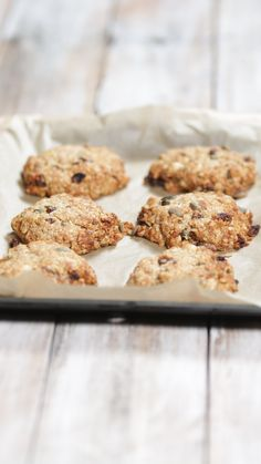 it's a cookie but with oats nuts seeds and more it's perfect fuel for getting your mornings going.Sure it's a cookie but with oats nuts seeds and more it's perfect fuel for getting your mornings going. Breakfast Cookie Recipe, Cookie Recipes, Snack Recipes, Dessert Recipes, Desserts, Tastemade Recipes, Healthy Meals For Two, Cookies Et Biscuits, Tray Bakes