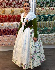 Por que ya casi estamos en fallas, nuestra Regina dels jocs florals. Feliz domingo. #indumentaria #indumentariafemenina… Victorian, Fabric, Regional, Instagram, Dresses, Fashion, Vestidos, Female Clothing, Happy Sunday