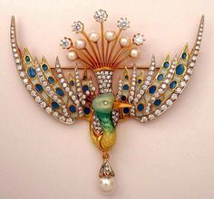 Masriera Winged & Crested Bird Pendant/Brooch in Yellow Gold 18K, Pearls, Diamonds and Enamel.