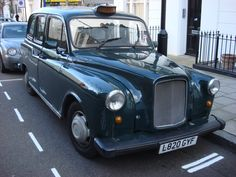 Description London Taxi 1.jpg London travel tips - find the best cheap #hotel for a great holiday. In #London or elsewhere in the world.