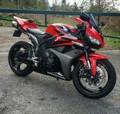 Honda Sport Bikes, Yamaha Bikes, Motocross Bikes, Kawasaki Motorcycles, Honda Cbr 1000rr, Cbr 600rr, Honda Cbr 600, Motosport, Sportbikes