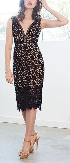 9b51ef5752 Black Sleeveless Plunge Neck Lace Midi Dress - US 15.95