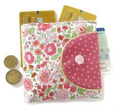 Tutoriel pour le porte monnaie Ulysse Bag Patterns To Sew, Sewing Patterns, Sewing Hacks, Sewing Projects, Diy Coin Purse, Sew Wallet, Sewing Material, Couture Sewing, Liberty Print