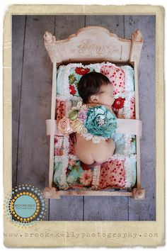 How cute is this? I need that quilt! I have a baby doll bed.