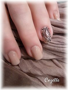that would be a gourgous bridal manicure !!!